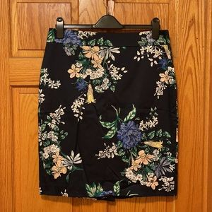 Ann Taylor skirt Navy Floral Pencil Skirt size 12